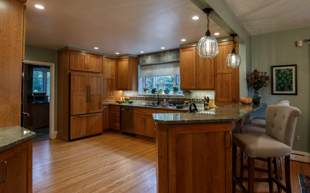 Kitchen Cabinets – Should They Go to the Ceiling?
